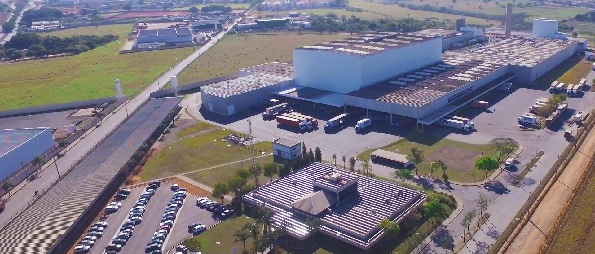 Imagem panorâmica da fábrica matriz da Selmi