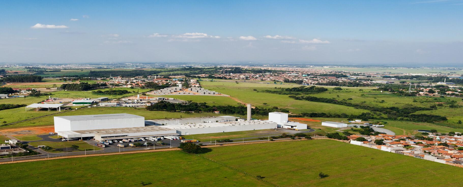 Fotografia aérea da fábrica da Selmi em Rolândia